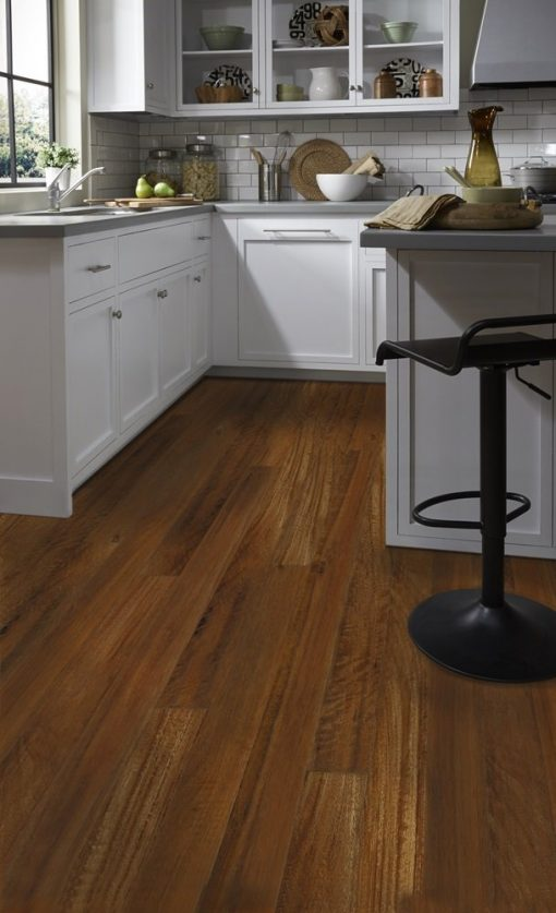 Acacia Tigers Eye Flooring in a Kitchen